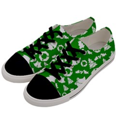 Green White Backdrop Background Card Christmas Men s Low Top Canvas Sneakers by Celenk
