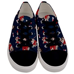 Pug Xmas Pattern Men s Low Top Canvas Sneakers
