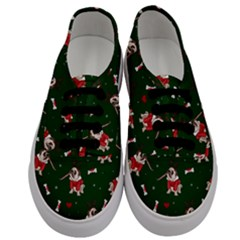 Pug Xmas Pattern Men s Classic Low Top Sneakers
