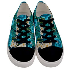 Light Blue Roses And Daisys Men s Low Top Canvas Sneakers