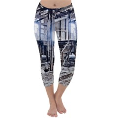 House Old Shed Decay Manufacture Capri Winter Leggings