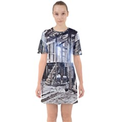 House Old Shed Decay Manufacture Sixties Short Sleeve Mini Dress