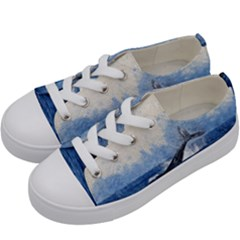 Whale Watercolor Sea Kids  Low Top Canvas Sneakers by BangZart