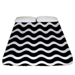 Wave Pattern Wavy Halftone Fitted Sheet (king Size) by Celenk