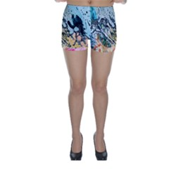 Abstract Structure Background Wax Skinny Shorts