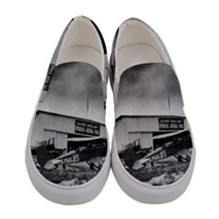Omaha Airfield Airplain Hangar Women s Canvas Slip Ons