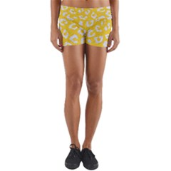 Skin5 White Marble & Yellow Colored Pencil (r) Yoga Shorts