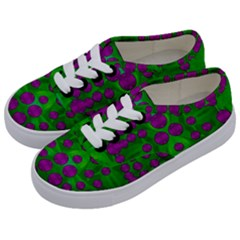 The Pixies Dance On Green In Peace Kids  Classic Low Top Sneakers by pepitasart