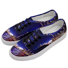 Toronto City Cn Tower Skydome Women s Classic Low Top Sneakers by Simbadda