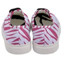 SKIN3 WHITE MARBLE & PINK DENIM (R) Women s Classic Low Top Sneakers View4