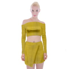 Yellow Alligator Skin Off Shoulder Top With Mini Skirt Set by LoolyElzayat