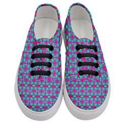Pink Green Turquoise Swirl Pattern Women s Classic Low Top Sneakers