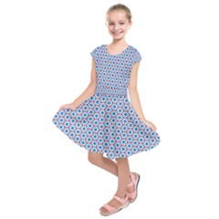 Vibrant Red And Blue Triangle Grid Kids  Short Sleeve Dress
