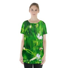 Inside The Grass Skirt Hem Sports Top