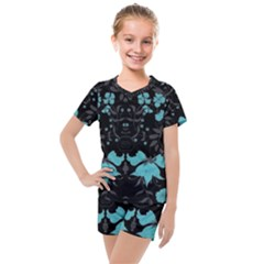 Blue Green Back Ground Floral Pattern Kids  Mesh Tee And Shorts Set