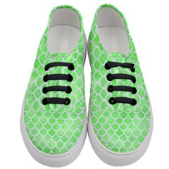 Scales1 White Marble & Green Watercolor Women s Classic Low Top Sneakers