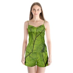 Butterbur Leaf Plant Veins Pattern Satin Pajamas Set