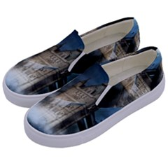 Manipulated Lodon Bridge Water Waves Kids  Canvas Slip Ons by AnjaniArt