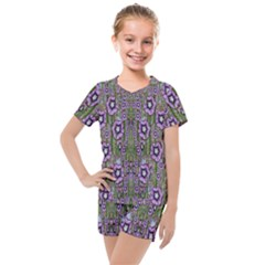 Jungle Fantasy Flowers Climbing To Be In Freedom Kids  Mesh Tee And Shorts Set