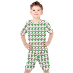 Gingerbread Men Seamless Green Background Kid s Set