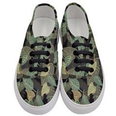 Autumn Fallen Leaves Dried Leaves Women s Classic Low Top Sneakers