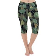Autumn Fallen Leaves Dried Leaves Lightweight Velour Cropped Yoga Leggings