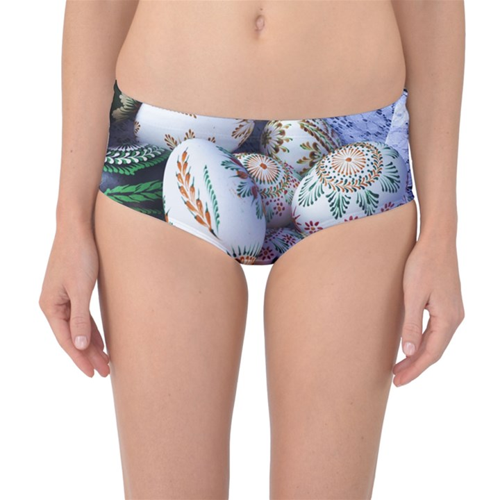 Model Color Traditional Mid-Waist Bikini Bottoms