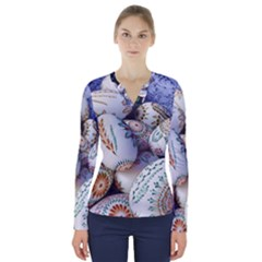 Model Color Traditional V-Neck Long Sleeve Top