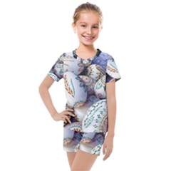 Model Color Traditional Kids  Mesh Tee And Shorts Set by Nexatart