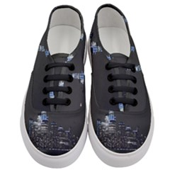 New York Skyline New York City Women s Classic Low Top Sneakers