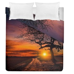 Lonely Tree Sunset Wallpaper Duvet Cover Double Side (Queen Size)