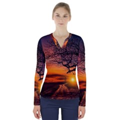 Lonely Tree Sunset Wallpaper V-Neck Long Sleeve Top
