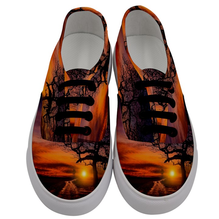 Lonely Tree Sunset Wallpaper Men s Classic Low Top Sneakers