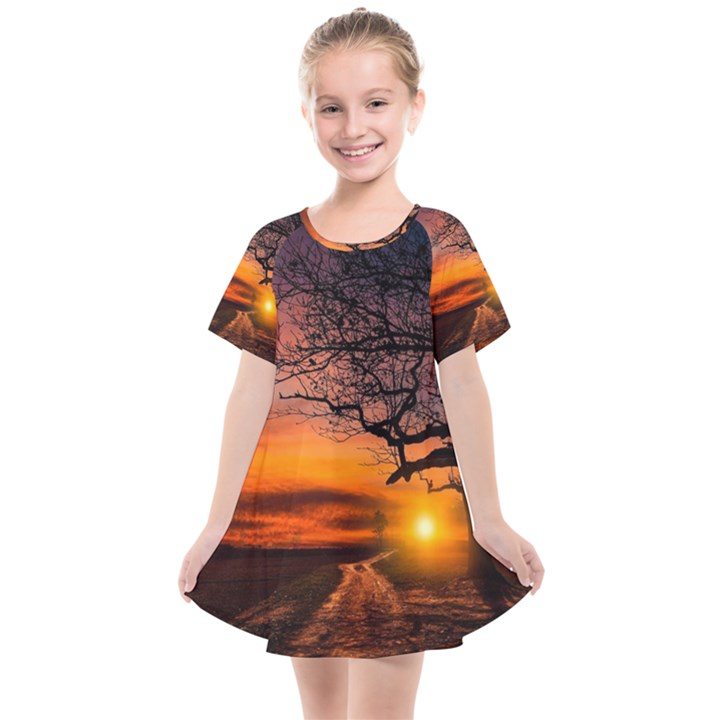 Lonely Tree Sunset Wallpaper Kids  Smock Dress