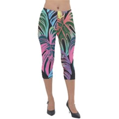 Leaves Tropical Jungle Pattern Lightweight Velour Capri Leggings