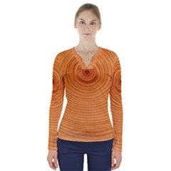 Rings Wood Line V Neck Long Sleeve Top