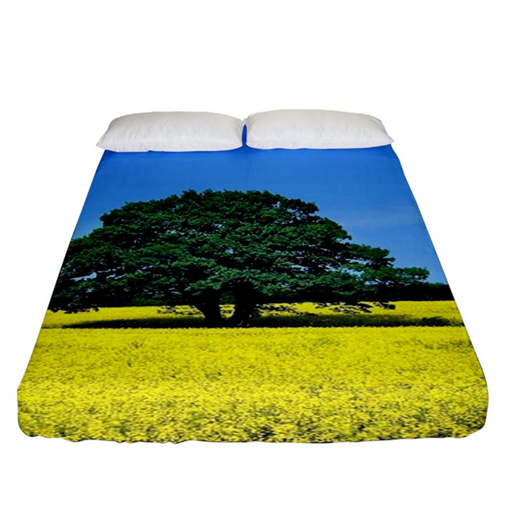 Tree In Field Fitted Sheet (King Size)