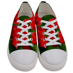 Three Red Tulips, Green Background Women s Low Top Canvas Sneakers