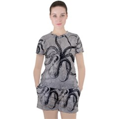 Vintage Octopus  Women s Tee And Shorts Set