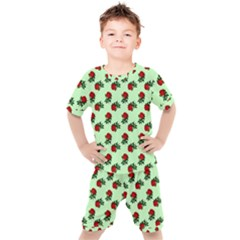 Red Roses Green Kid s Set