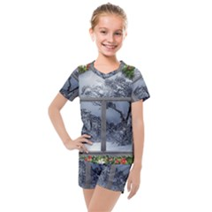 Winter 1660924 1920 Kids  Mesh Tee and Shorts Set