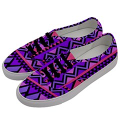Seamless Purple Pink Pattern Men s Classic Low Top Sneakers by Sapixe