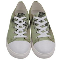 Woman 1079507 1920 Women s Low Top Canvas Sneakers