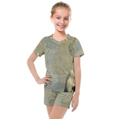 Vintage 1047910 1280 Kids  Mesh Tee And Shorts Set