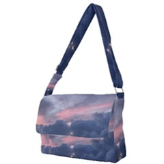 Early Sunset On Maui Messenger Bag