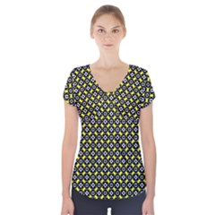 Flower Pattern Pattern Texture Short Sleeve Front Detail Top