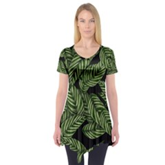 Tropical Leaves On Black Short Sleeve Tunic