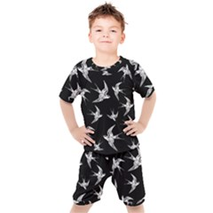 Birds Pattern Kid s Set