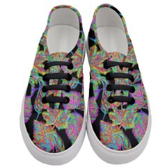 Autumn Pattern Dried Leaves Women s Classic Low Top Sneakers