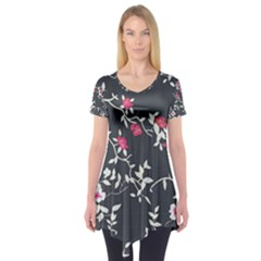 Black And White Floral Pattern Background Short Sleeve Tunic